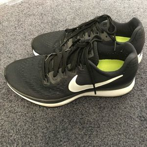 Women's Nike air zoom Pegasus 34 size 7.5